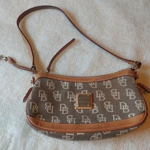 Mini dooney and Bourke shoulder purse